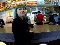 Vidéo porno mobile : Little slut hooked up in a fastfood and fucked like a whore